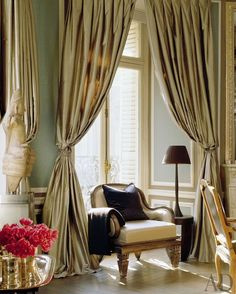 Traditional Living Room by Christopher Noto in Paris, France