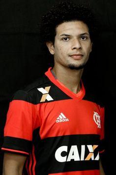 Números de Willian Arão pelo @Flamengo:  53 Jogos Oficiais 7 Gols 8 Assistências 5 Cartões Amarelos