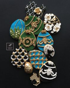 Lorena Rodríguez. Faberge Egg cookies. Faberge inspired No Egg Cookies, Fancy Cookies, Biscuit Cookies, Easter Cookies, Cupcake Cookies, Cupcake Soap, Fondant Cupcake Toppers, Bolacha Cookies, No Egg Desserts