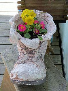 my garden in winter, container gardening, gardening, succulents, Primroses in a boot