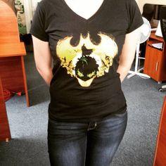 Luiza has the perfect #halloween #shirt - who need costumes when you have #batmanshirt? :) #GeekShirtFriday #batman #geekgirl #batmanmerch #geek #geekshirt