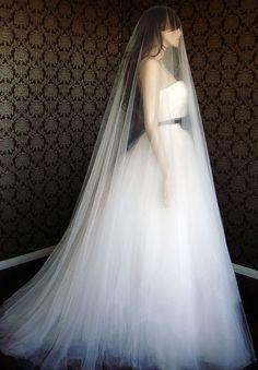 Wunderschöne Drop Hochzeitsschleier von BlancaVeils auf Etsy