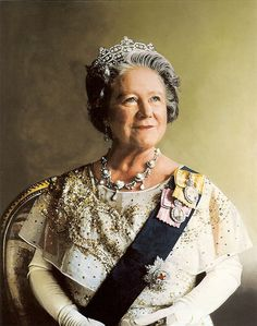 The QM liked the Greville tiara so much she sat for several portraits wearing it.