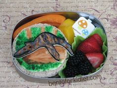 Bento for Kidlet: Charlie the Unicorn: Magical Leopluradon Lunch