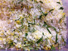 Zitronen - Rosmarin - Salz, ein tolles Rezept aus der Kategorie Grundrezepte. Bewertungen: 49. Durchschnitt: Ø 4,5.