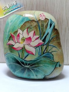 【古潭小巷】手绘石头画 顾客定制作品展示 彩绘石头——《荷花》-淘宝网