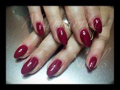 Bordeaux gel polish on acrylic nails - bordeaux rood gel polish op acryl nagels