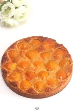 Tarte amandine abricots - Recette CAP Pâtissier The recipe for the apricot almond tart taken from th Pastry Recipes, Tart Recipes, Baking Recipes, Snack Recipes, Dessert Recipes, Kolaci I Torte, Easy Smoothie Recipes, Healthy Smoothie, Coconut Recipes
