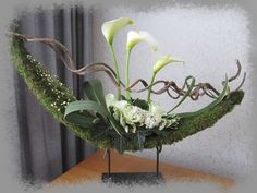 Printing Ideas Useful Printing Videos Ring Products Contemporary Flower Arrangements, White Flower Arrangements, Ikebana Flower Arrangement, Design Floral, Deco Floral, Arte Floral, Christmas Flower Decorations, Home Flowers, Flower Designs