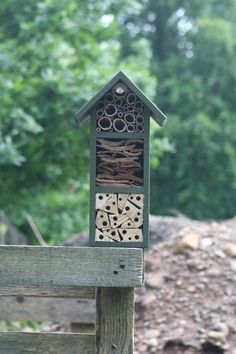 vier sterne insektenhotel bauanleitung zum selber bauen garten pinterest insektenhotel. Black Bedroom Furniture Sets. Home Design Ideas