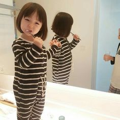 Ulzzang baby girl - Ulzzang baby girl The Effective Pictures We Offer You About baby yoda A quality picture can tell y - Cute Asian Babies, Korean Babies, Asian Kids, Cute Babies, Cute Little Baby, Cute Baby Girl, Little Babies, Baby Love, Cute Baby Pictures