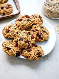 Cherry Chocolate Breakfast Cookies Fresh and Fit - Breakfast Ideas Protein Rich Breakfast, Breakfast Cookies, Breakfast Recipes, Breakfast Ideas, Healthy Meals For Two, Easy Healthy Recipes, Healthy Snacks, Protein Bites, Protein Cookies