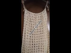 Copricostume all'uncinetto - YouTube Beach Tops, Crochet Fashion, Crochet Clothes, Lana, Crochet Projects, Crochet Top, Free Pattern, Athletic Tank Tops, Crochet Patterns