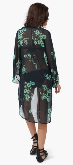 With a slip or something more covered up underneath, this would make a nice gothy look. [Shamrock Kimono]