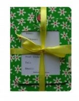 A pretty gift set comprising of a luggage tag and a passport cover. Handfinished and presented with a lovely complimentary bow, this lovely set is a unique present