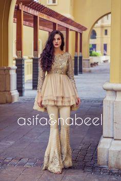 Best Ideas For Bridal Saree Designer Indian Fashion Pakistani Formal Dresses, Pakistani Wedding Outfits, Nikkah Dress, Pakistani Dress Design, Indian Dresses, Indian Outfits, Indian Bridal Lehenga, Indian Bridal Fashion, Pakistani Bridal