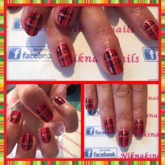 Tartan gel polish nails