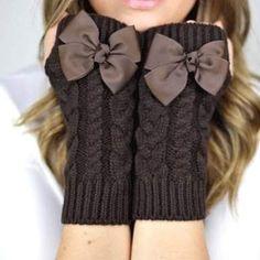 22 DIY Trendy Gloves [inspiration] @Kendra Henseler Henseler Henseler Hilton Boyd