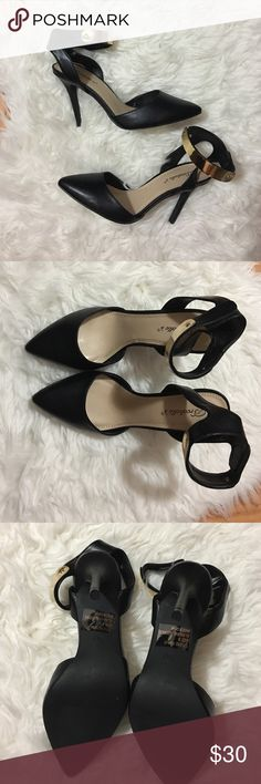 NWOT Pointed Ankle Strap Heel This is new, never used heeled, pointed. Ankle strap shoe. On the ankle strap has gold on the front and the only flaw is seen in the last pic (I'm not too sure why that's there) if you have any questions do let me know! 🎉OFFERS WELCOMED(CLOSET CLEAR OUT) 🎉 Shoes Heeled Boots