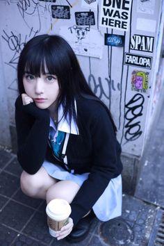 momochan is unhappy nerd girl! Asian Cute, Cute Asian Girls, Cute Girls, Beautiful Japanese Girl, Beautiful Asian Girls, Cute Poses, Japan Girl, Asia Girl, Kawaii Girl
