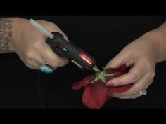 Craftster Quickies Video Tutorial - How to Make Pinup Girl Flower Hair Clips