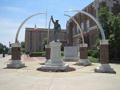 The Veterans' Memorial, downtown Jonesboro, Arkansas. Jonesboro Arkansas, Arkansas State University, Veterans Memorial, Southern Comfort, Fountain, Places To Visit, Outdoor Structures, City, Childhood Memories
