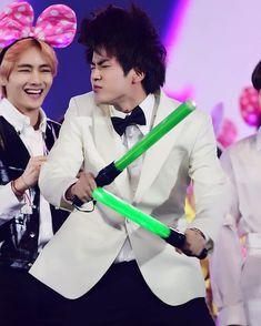 """ I'm world wide handsome you know "" Jin "" . Jimin, Bts Taehyung, Bts Bangtan Boy, Taehyung Smile, Bts Memes, Bts Meme Faces, Foto Bts, Bts Photo, Seokjin"