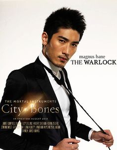 The Mortal Instruments: City of Bones This is magnus?!?!? Say what?!? I thought he would actually look like a wizard!!!