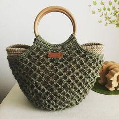 Crochet Wallet, Crochet Clutch, Crochet Handbags, Crochet Purses, Crochet Panda, Cute Crochet, Crochet Beach Bags, Crochet Table Runner Pattern, Yarn Bag