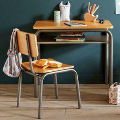 Chaise vintage : 21 modèles esprit rétro Home Furnishing Accessories, Kitchen Accessories, Home Furnishings, Desk And Chair Set, Desk Set, Desk Dimensions, School Desks, Metal Desks, Bureau Design