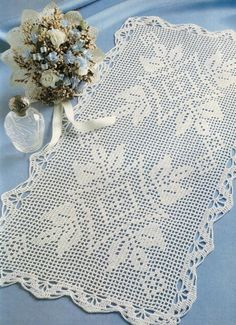 'Good Decision' in filet crochet - free pattern