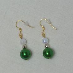 #earrings#acrylic#goldplated#dangle#gift#matchingearrings#jewellery#imitationpearlbead#facetedbead#giftforgirl#giftforher#green#gold#white#earring#party#pearlbead#spring#summer#lush#beads#leaf#faceted#pearl#copper#darkgreen#lightgreen#handmade#