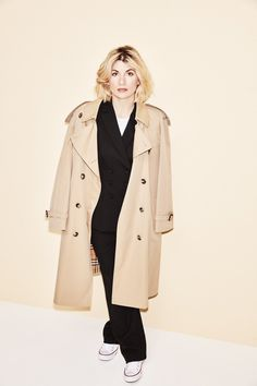 """flawlessbeautyqueens: """"""""Jodie Whittaker photographed by Tom Van Schelven for Stylist Magazine """" """" Doctor Who Cast, Doctor Who Fan Art, Jodi Whittaker, Hollywood Actresses, Actors & Actresses, Film Doctors, Doctor Who Companions, Popular People, Famous People"""