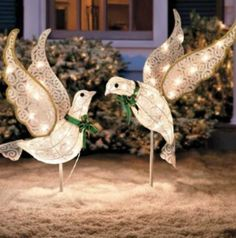Set of 2 Pre Lit Christmas Doves Lighted Outdoor Chrismas Decor Yard Art