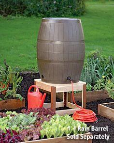 rain barrel in vegetable garden Backyard Vegetable Gardens, Vegetable Garden Design, Outdoor Gardens, Vegetable Bed, Hydroponic Gardening, Organic Gardening, Gardening Tips, Container Gardening, Succulent Containers