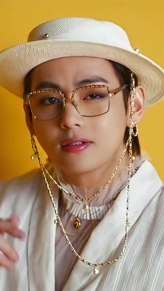 Bts Bangtan Boy, Bts Boys, Bts Jungkook, Kim Taehyung Funny, V Taehyung, Foto Bts, Bts Photo, V Bts Wallpaper, Bts Korea