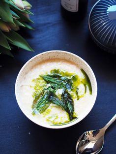 Blomkålsuppe med potet og salvie