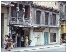 The House with the Two Caryatids Old Photos, Vintage Photos, Greece Pictures, Old Greek, Greek History, Athens Greece, Neoclassical, Greece Travel, The Past