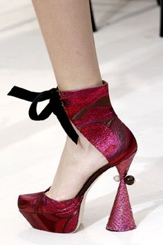 Love these Louis Vuitton Shoes!  Gorgeous! I could never walk in these.  But I would stare at them forever.