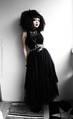 Gah I hate all the darkness all the time. I took these outfit pictures today when it was the most light outside. But they still turned out . Alternative Outfits, Alternative Fashion, Dark Fashion, Gothic Fashion, Goth Subculture, Romantic Goth, Goth Look, Goth Aesthetic, Punk Goth