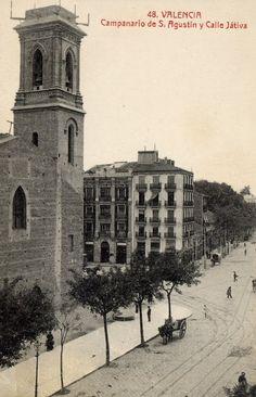 Iglesia San Agustín con calle Játiva en 1900. Este edificio fue derribado durante la guerra civil. La actual iglesia es de 1947
