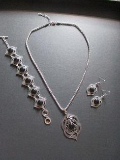 Necklace, bracelet and earrings set Black NEW – UK Seller – Vintage, Retro