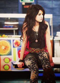 Alex Russo Outfits | alex russo, love, selena gomez, style, sweet - image #459516 on Favim ...