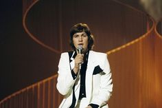 """Eurovision's Greatest Hits: Wiwi Jury reviews Johnny Logan with """"What's Another Year"""""""