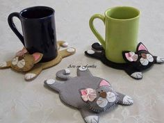 diy felt mug rug ile ilgili görsel sonucu Fabric Crafts, Sewing Crafts, Sewing Projects, Craft Projects, Projects To Try, Cat Crafts, Diy And Crafts, Arts And Crafts, Creation Couture