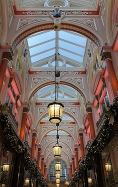 A Taste Of London A Taste Of London A quick read guide to where to stay and what to do over the holidays. #vickiarcher