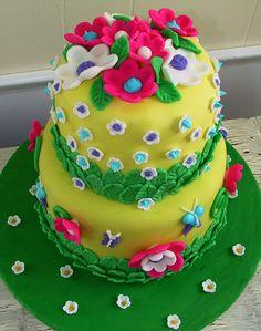 happy-birthday-cake-with-flowers