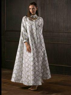 سارة Abaya Fashion, Muslim Fashion, Fashion Dresses, Linen Dresses, Casual Dresses, Iranian Women Fashion, Vetement Fashion, Caftan Dress, African Print Fashion