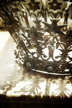 Vintage French Crown