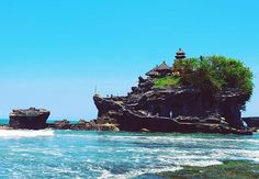 Reposting @out_of_the_office_dan: Tanah Lot Temple, Bali, Indonesia  #tanahlot #bali #indonesia #balinese #travelporn #travel  #asia #southeastasia #tourism #ilovetravel #traveltheworld #tourist #amazing #beautiful #travelloco #betterthanfiction #relax #pagoda #dontworrybehappy #colours #holiday #wakacje #azja #fujifilm #fujifilmxt20  #instatravel #culture #temple